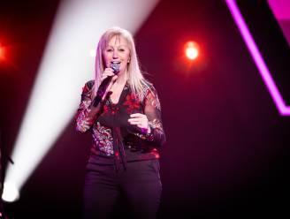 """Gerda (63) kan in voetsporen van haar ex-man, vorige winnaar John Leo, treden in The Voice Senior: """"Artiesten als Helmut Lotti en André Hazes begeleid, maar je blijft 'maar' de orkestzangeres"""""""