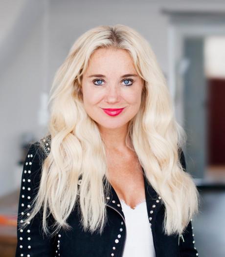 Blijdschap Sonja Bakker om nieuwe bestseller heeft zwarte rand