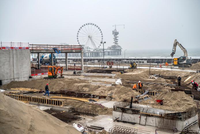 Het begin van de werkzaamheden aan de Noordboulevard in Scheveningen.