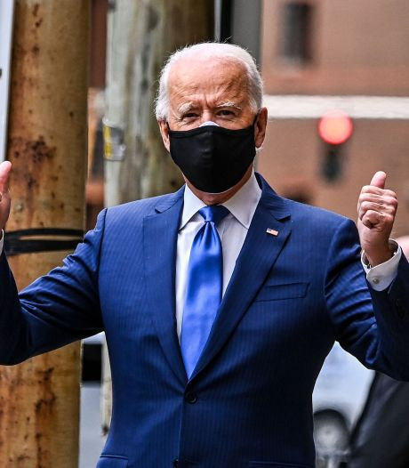 Première apparition publique de Joe Biden avec sa botte orthopédique