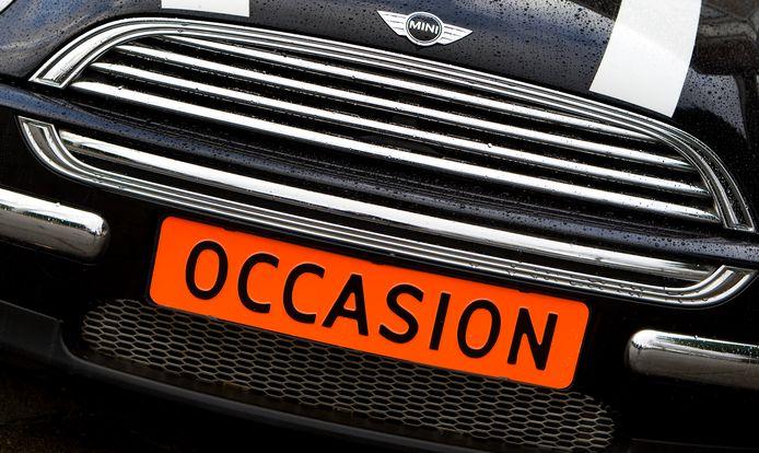 Om bpm te besparen kopen veel Nederlanders liever een tweedehands auto. Dit werkt de verduurzaming van het negen miljoen personenauto's tellende wagenpark  tegen