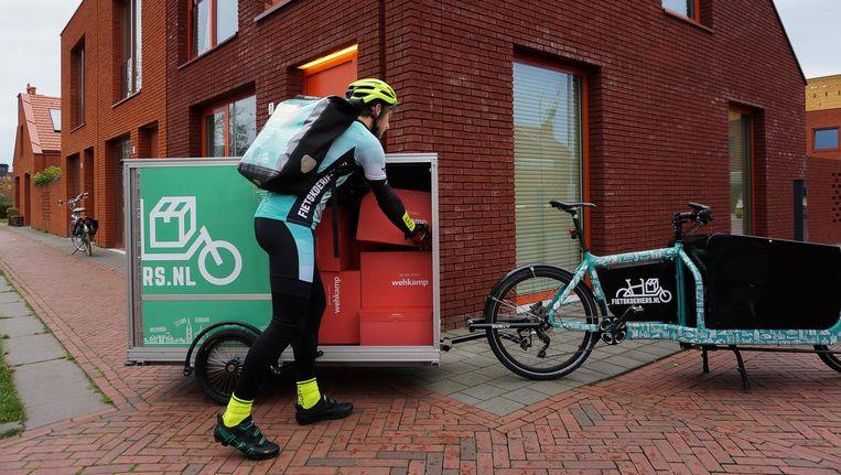 Wehkamp werkt samen met de koeriers van Fietskoeriers.nl. Beeld Wehkamp