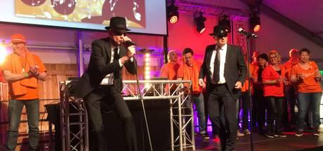 VIDEO: Burgemeester Fränzel gaat los bij Skêndel Zwingt