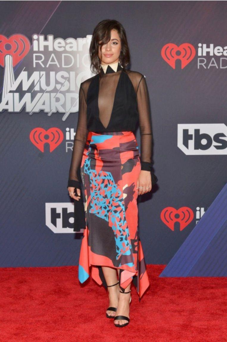 Camila Cabello op de rode loper voor haar optreden