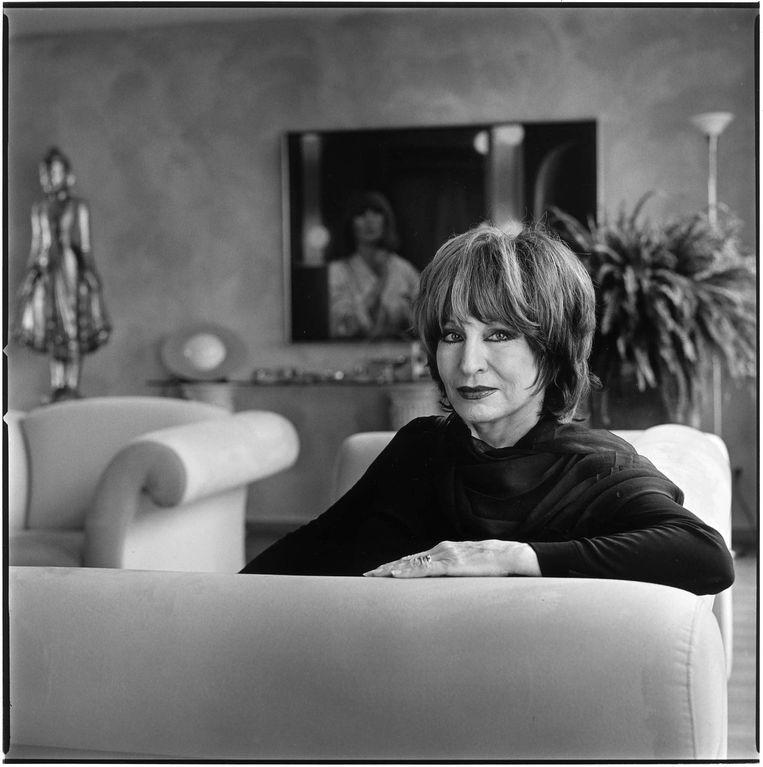 In haar huis in Amsterdam, februari 2002. Beeld MarK Kohn