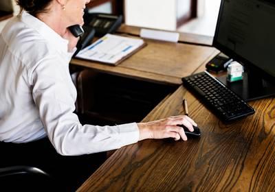 CBS: Vooral receptionisten en chauffeurs zonder baan