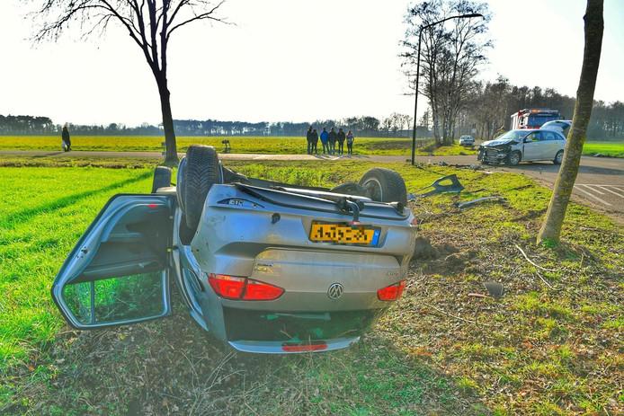 De auto's liepen forse schade op.