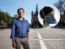 In recordtijd miljoenen mondkapjes maken: dankzij Jasper uit Deventer gaat het gebeuren. 'Ongelooflijk'