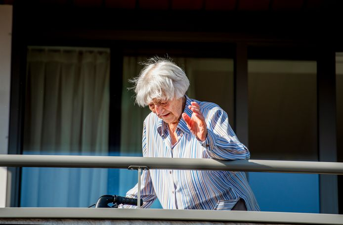 Cornelia Ras (107) was besmet met het coronavirus en is weer genezen verklaard.