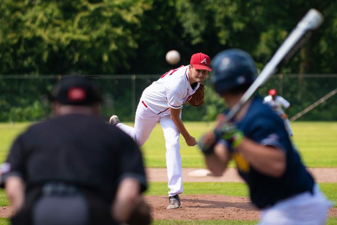 WSB-pitcher Mark Bosman.