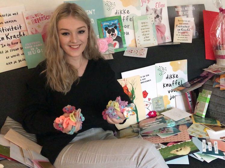 Eline (18) overstelpt met kaarten in psychiatrische kliniek