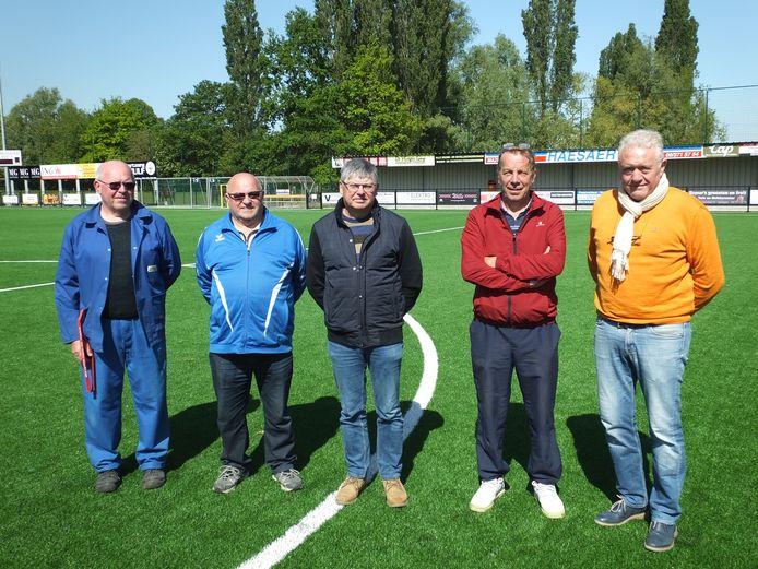 Raoul De Wulf, Marc De Neve, Denis Neyt, Guy Bauwens en Yves Van Kerrebroeck van LS Merendree.