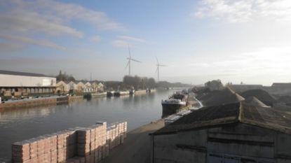 """Provincie weigert omgevingsvergunning twee windturbines langs Albertkanaal: """"Het hypothekeert strategische plannen van de gemeente"""""""