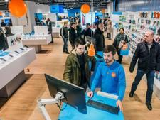 Een kijkje in de nieuwe Coolblue-winkel in Den Haag