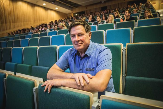 Leraar Marc Verhoeyen op de 'startersdag' van de GO!-scholengroep Gent.