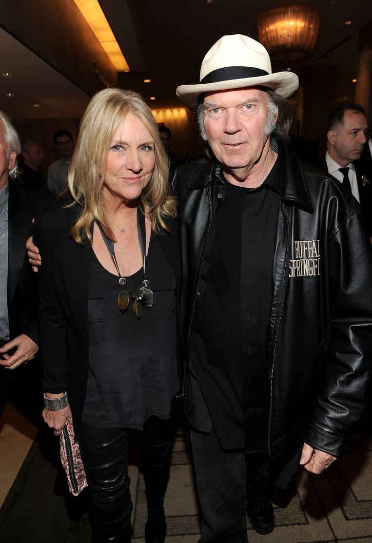 Muzikant Neil Young met zijn ex-vrouw Pegi.