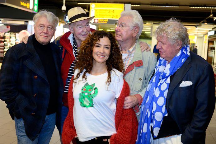 Katja is momenteel op reis met Barrie Stevens (75), Peter Faber (76), Willibrord Frequin (78) en Gerard Cox (79).