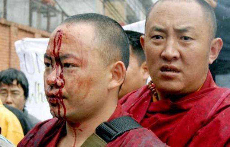 Ook in Nepal kwam het tot geweld toen een honderdtal Tibetanen in ballingschap betoogden.
