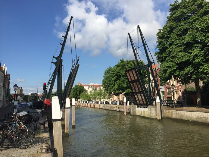 Damiatebrug in Dordrecht open