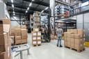 Het centraal magazijn in Duiven. Vanuit hier worden alle verkooppunten bevoorraad en een deel van alle onlinebestellingen verwerkt.