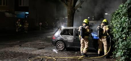Opnieuw is het raak: wéér autobrand in Arnhemse wijk Klarendal