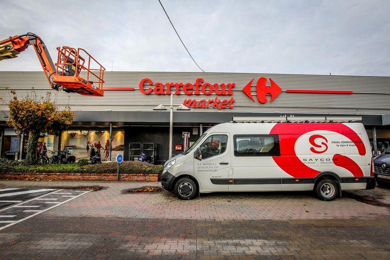 De Carrefour Market in Sint-Kruis wordt iets kleiner, maar er wordt niemand aan de deur gezet.