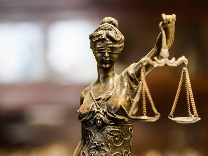 Eis 240 uur werkstraf tegen potloodventer uit Oud Gastel die kinder- en dierenporno bezat