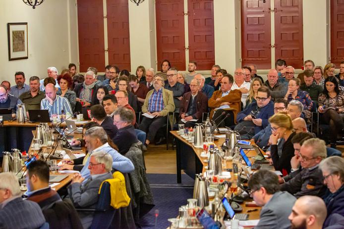 Raadsvergadering over De Schelp