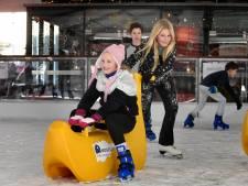 Nog meer basisscholieren schaatsen dit jaar op het Woerdense Kerkplein
