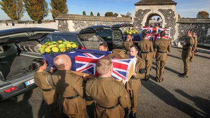 Drie onbekende soldaten krijgen alsnog begrafenis