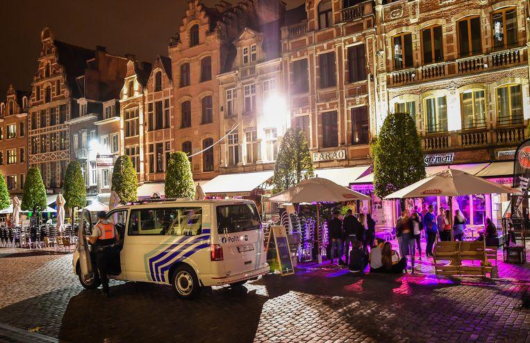 De politie zet sinds het incident met zinloos geweld van afgelopen zomer extra patrouilles in op de Oude Markt in Leuven.