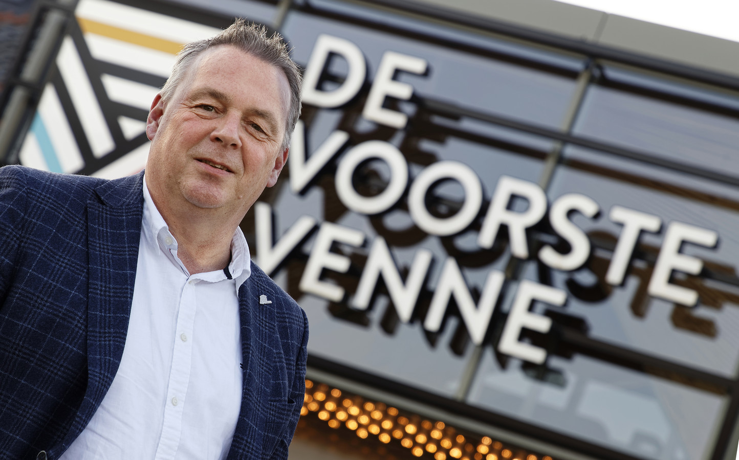 Wethouder Peter van Steen van de gemeente Heusden, bij cultureel centrum De Voorste Venne in Drunen.