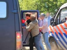 Politie in grote getale aanwezig op Koekamp voor demonstraties, één persoon aangehouden