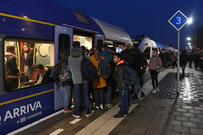 Arriva heeft problemen op de Maaslijn. Het treinverkeer heeft op dit traject regelmatig last van storing. Vooral in de spits.