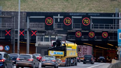 Uur file op Antwerpse ring door waterproblemen Kennedytunnel