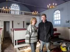 De Joodse gemeenschap uit Deventer komt naar Raalte. Maar waar komt de heilige ark?