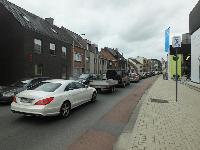 Gisterenmiddag rond 16 uur stond er al een ellenlange file op de Gaversesteenweg.