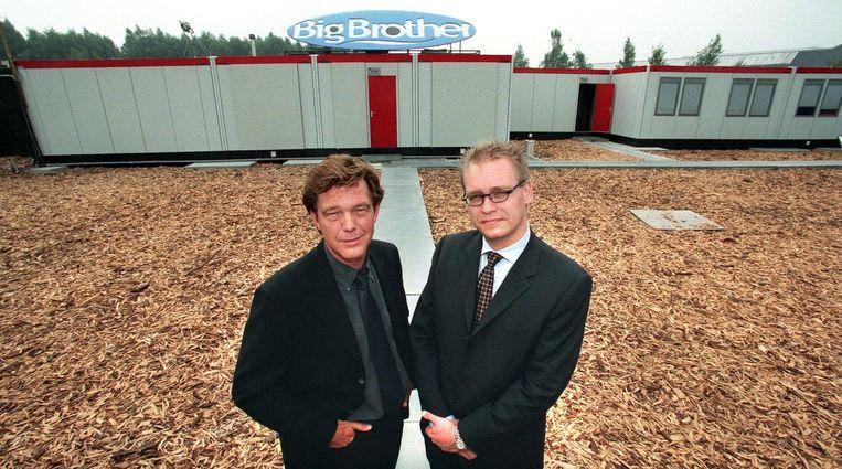 Producent John de Mol en Unico Glorie voor het speciaal gebouwde huis in Almere waar voor het Veronica-prgramma Big Brother, 1999. Beeld anp