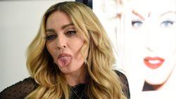 Madonna sneert naar volgers die kritiek hebben op pikante foto's