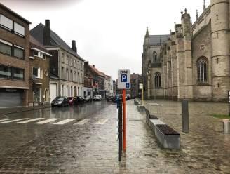 """Plotse uitbreiding blauwe zone in twee straten stuit op kritiek: """"Wat met de beloofde inspraak?"""""""