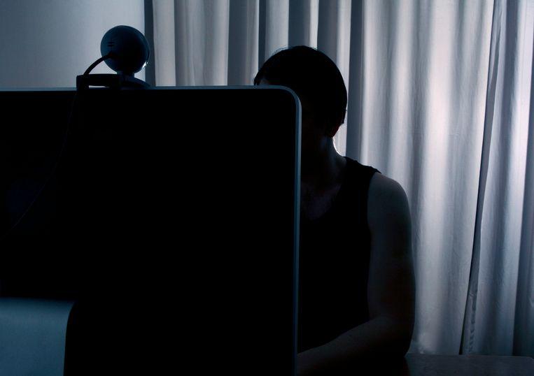 De dertiger bedreigde de meisjes via de webcam als ze niet deden wat hij wenste. (archieffoto)