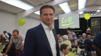 Guy Valckenier staat zitje in gemeenteraad af aan Els Cosyns
