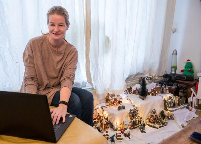 Tanja van Aalst zet Taskado in voor mensen die niet online kunnen shoppen en nu geen kerstcadeaus kunnen kopen, omdat ze bijvoorbeeld in de schuldsanering zitten.