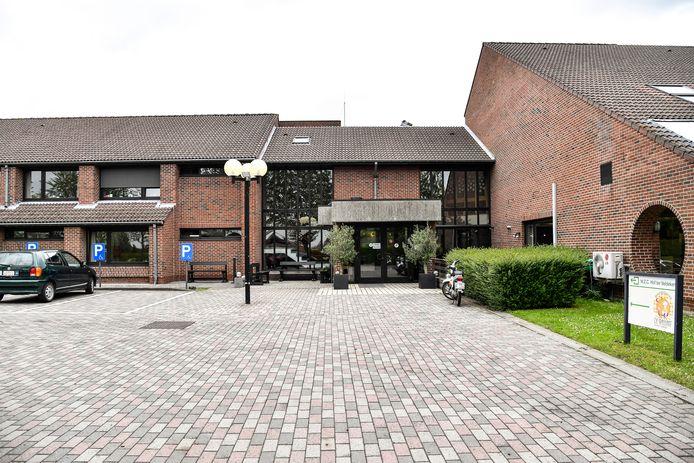 Het huidige rusthuis Hof Ter Veldeken  zal nog een hele tijd dienst moeten blijven doen.