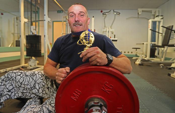 Powerlifter Coert Hoppenbrouwers gaat alles in de strijd gooien voor zijn elfde wereldtitel.