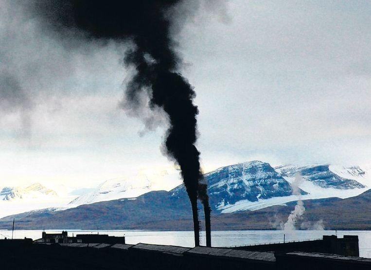 Spitsbergen. Russische steenkoolwinning. Beeld Louwrens Hacquebord/Ben Bekooy