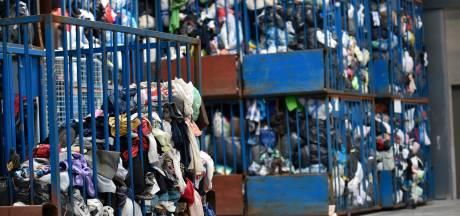 Honteux: les bulles à vêtements servent de dépotoir