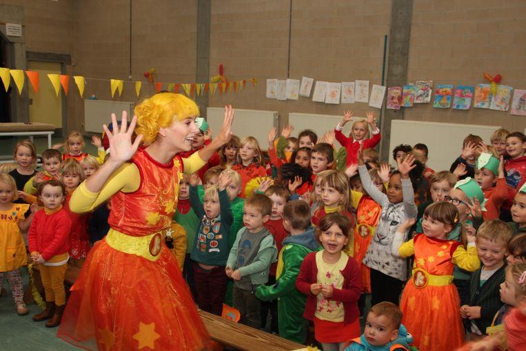 Kaatje zong heel wat liedjes voor de kinderen van de Sint-Vincentiusschool.