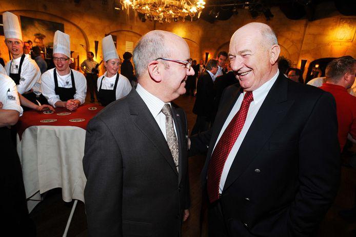 Topkok Cas Spijkers samen met Piet Rutten, oud-directeur van De Swaen, op een feestelijke bijeenkomst in 2008.