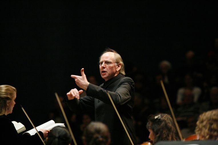 De Britse dirigent Andrew Parrot, hier met het Jerusalem Baroque Orchestra, stuurt het koor en de musici van de Nederlandse Bachvereniging gedreven door de Mariavespers van Monteverdi, hoorde Frederike Berntsen. Beeld Getty Images